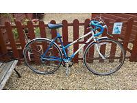 """Raleigh riva ladies racing bike 20"""" frame , 700c wheels"""
