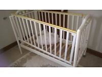 Baby to toddler cot