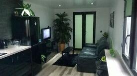 one bedroom static home located in Nivensknowe Caravan Park .Im looking for sell or swap .