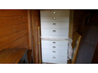 2x chest of drawers