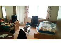 3 double bedrooms available in CANNING TOWN! 3 mins walking from JUBILEE LINE!