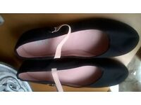 Bloch Character dance shoes
