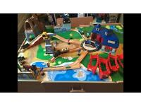 Kids play table and trainset