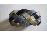 Luxurious Women Bracelet With Magnetic Fastening tri-color gold silver black