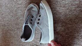 Grey canvas trainers boys H&M size 27 / 9 infant