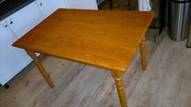 Solid pine traditional farmhouse dining kitchen table VGC