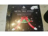 New metal tree stand