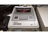 SUPER NINTENDO (SNES) CONSOLE AND EVERDRIVE CARTRIDGE