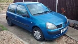 2003 1.2 L Renault Clio for sale - For parts or to do up