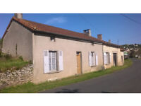 Little House, Barn and large Garden to renovate in SW France 100m from Vienne river
