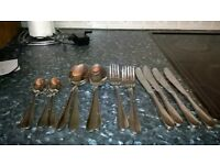 16 stainless steel cutlery pieces 4knives 4 forks 4 dessert spoons 4 teaspoon s
