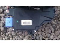 VW Caddy 2009 Drivers Side Door Lock Mechanism-IN GOOD CLEAN WORKING CONDITION!