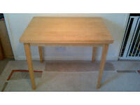 EXTENDABLE TABLE (W90 X D62 X H72 OR W124 X D90 X H71CM) HAS WEAR & TEAR – SEE PICTURES - £10