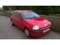 Renault Clio only 56 k long MOT
