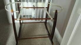 Bassinet stand / moses basket stand