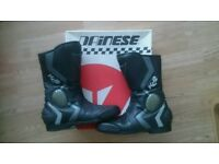 Dainese motorcycle boots Size 8 42 Black leather Very nice boots