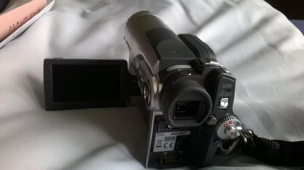 hitachi dvd camcorder and case in good working order with leads and charger and manual
