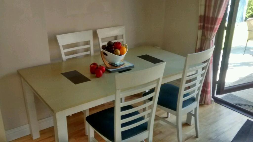 Pine Kitchen Table With 4 Chairs In Newtownards County Down Gumtree