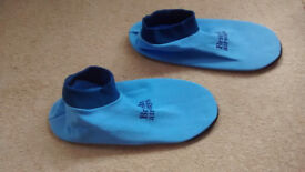 British Airways slippers, unused, size 5/6 good condition, soft, use inside trainers, shoes, etc