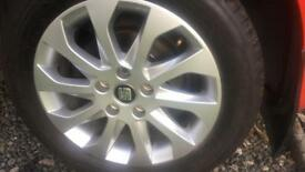 Mk3 leon alloys. Mint condition. 5x112. 205 55 16
