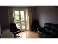 Large bright double room near Napier & Heriot Watt University