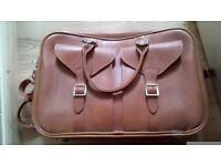 AS NEW RETRO LEATHER HAND LUGGAGE/ SUITCASE/ LAPTOP CASE