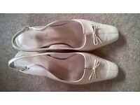Ladies shoes by Val Dal, size 8