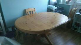 Dining table pine with 4 chairs