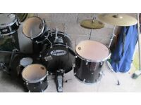 Squier by Fender 5 Piece Drum Kit with additional cymbals and extras