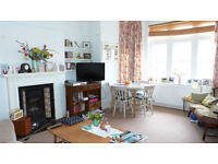 Stunning 2 bedroom flat on a beautiful tree lined street in Crouch End