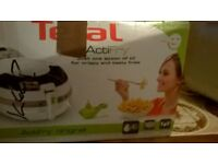 TEFAL ActiFry One spoon of Oil Fryer Like new.