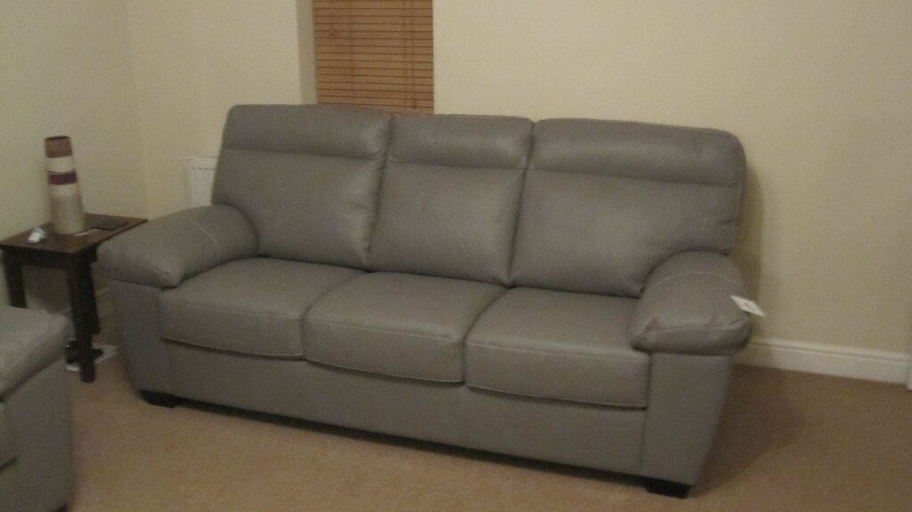 Harveys Embankment Italian Leather 3 Seater and 2 Seater Sofas in Burntwood, Staffordshire