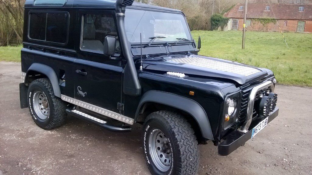 land rover defender 90 300tdi black 7 seats spots. Black Bedroom Furniture Sets. Home Design Ideas