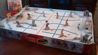 vintage 1960s Munroe table top hockey game