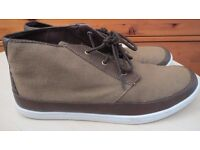 Mens Shoes Size 11 use once, good condition