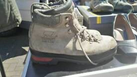 Size 9.5 men Zamberlan walking boots
