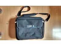 Targus Laptop bag (used) Model CNP1-12 in very good condition