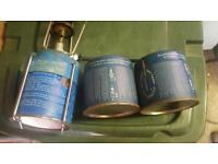 Single gas stove, 2 spare gas cylinders.