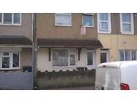 Central Swindon - Large Room To Let Rent