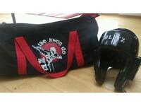 Taekeondo bag and protective headgear ( junior )
