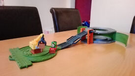 Thomas & Friends Take-n-Play Percy at the Scrapyard - COLLECTION HERTFORD TOWN