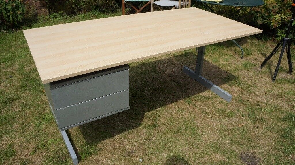 Large Ikea desk with detachable two-drawer unit in good condition