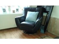 Barely used quality leather swival chair ..ideal for home or office