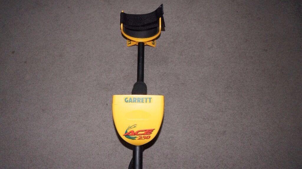 Metal Detector Garrett Ace 250 used twice.