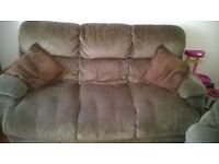 Excellent Condition (2) 3 Seater sofas + 4 free pillows