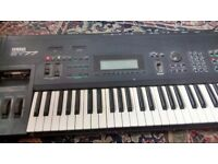 YAMAHA SY77 CLASSIC KEYBOARD - Great condition