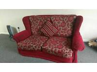 Sofa for sale 3+2 seater only for £ 125// URGENT