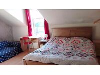 Furnished loft room in friendly girls shared house near city center & Salford university