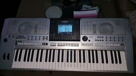 YAMAHA PSR-S900 61-Key A full-size Yamaha keyboard and arranger workstation -USB