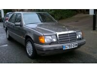 MERCEDES 260E AUTOMATIC 1989 G REG MET GREY / BLACK LEATHER 4 DOOR SALOON PAS A/C 120K FSH SUPERB